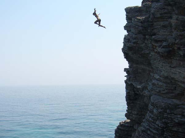 Jump-off-the-cliff